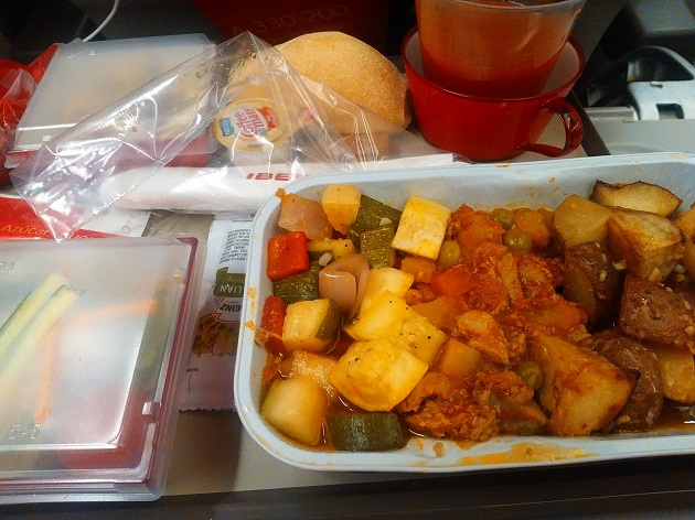 Flying Iberia Airlines To Spain - Food