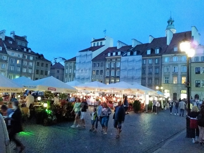 Warsaw Old Town at night