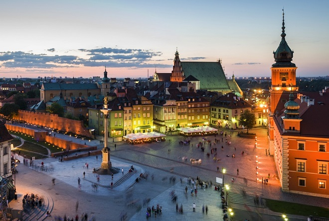 Old Town Warsaw at night
